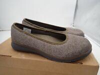Propet TravelFit Flat WAT004J Slip On Shoes, Women's Size 6 4E, Brown