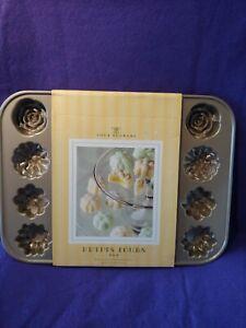William Sonoma 2005 Petits Fours Four Flower Nordicware Pan NIP