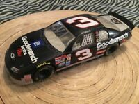 Monte Carlo 25th Anniversary Dale GoodWrench Earnhardt 1999 Diecast  #3 1/24