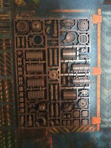 Adeptus Titanicus Mechanicus Terrain. Armoured containers, pipes, basing derails