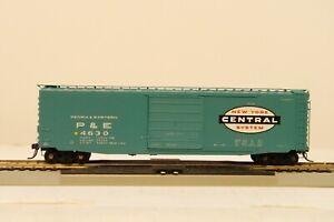 PEORIA & EASTERN(NYC) BOX CAR #4630 50' PS-1  * KADEE HO SCALE MODEL(ORIG.CASE)
