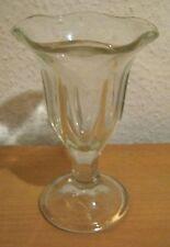 Glasvase,massives,altes Glas.Höhe 15,5 cm,Durchmesser 9,5 cm