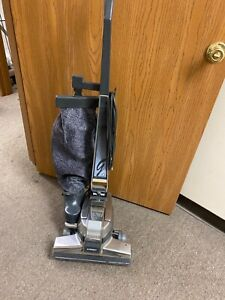 KIRBY VACUUM CLEANER G4  RECONDITIONED