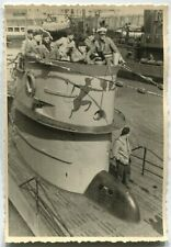 GERMAN WWII ARCHIVE PHOTO: KRIEGSMARINE U-BOAT IN HARBOUR, CREW IN CONNING TOWER