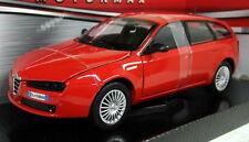 Motormax 1/24 Scale 73372 Alfa Romeo 159 Sport Wagon Red Diecast model car
