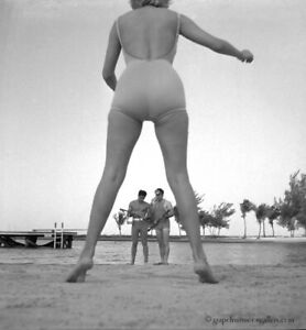 Bunny Yeager 1960s Pin-up Camera Negative Photograph Pictorial In Men's Magazine