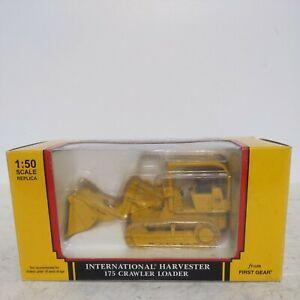 International Harvester 175 Crawler Loader 1/50 scale