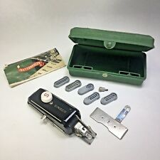 Vintage SINGER Buttonholer with 5 Templates Instructions Green Case 160506