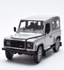Revell 28509 Land Rover Defender Geländewagen in silber lackiert 1:18, OVP, K029