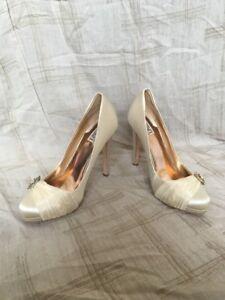 Badgley Mischka Odell Ivory Satin, Women's Shoes, Size 10M