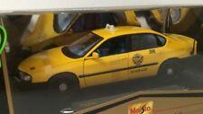 Maisto Premeire Edition 1:18 Chevrolet Impala Yellow Cab