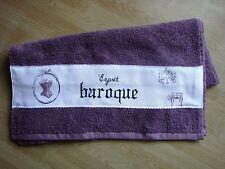 """""""Esprit BAROQUE"""", serviette de toilette violette brodée au point de croix towel"""