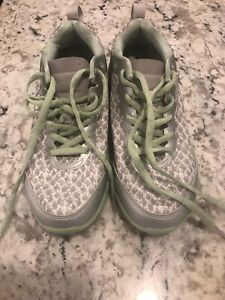 Vionic Python Walking Shoes Womens Size 7.5 W Athletic Shoes Sneakers Green