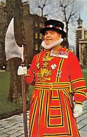 BR77707 yeoman warder at the tower of london uk 14x9cm