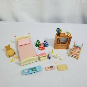 Vintage Calico Critters Sylvanian Families Lot - Bed, TV & Other