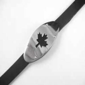 "Maple Leaf Stainless Steel Rubber Bracelet Wristband Black & Silver Length 6.5"""