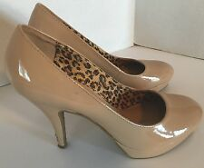 Unlisted by Kenneth Cole Sz 9 Medium Beige Patent Finish Platform Stilleto Heels