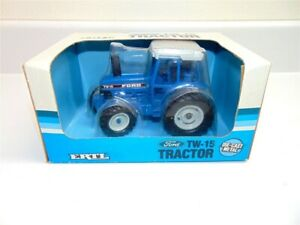 Vintage Ertl Ford TW-15 Tractor Die Cast replica 1/32 Scale Mint in box