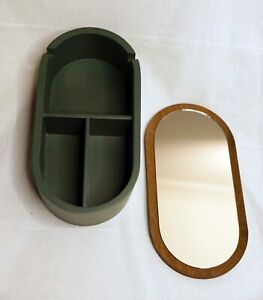 Jewelery box - timber - green with gold - oval shape