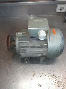 Siemens 1LA3083-2AA20 Elektromotor / 220/380V 1.3KW 2850 U/min Gebrt Motor Top