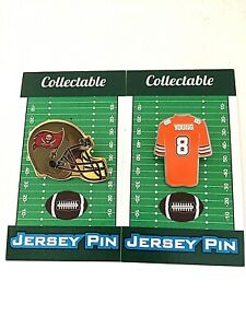Tampa Bay Buccaneers Steve Young jersey lapel pin & helmet pin-Collectibles