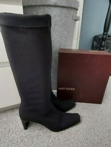 **BOXED KURT GEIGER SIZE 8/41 BLACK STRETCH PULL ON HIGH LEG BOOTS**