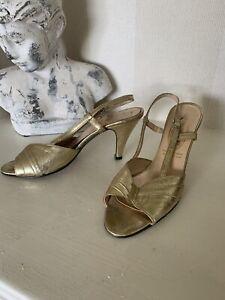 1960's Vintage Gold Ladies Party Shoes - Size 6.5 Carissima
