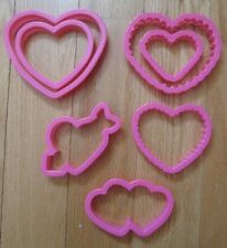 New listing Wilton Hearts Cookie Cutters Lot of 7 Love Valentines Day Plastic Assorted New