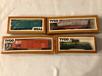 4 Vintage TYCO HO Scale Train Cars - New Haven, Santa Fe, Southern Railroad, ...