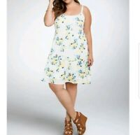 Torrid Plus Size 2x White Floral Tiered Trapeze Dress