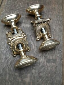 2 pairs Antique Victorian style oval brass door knobs ornate oval doorknobs 25DD