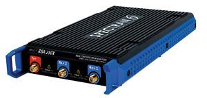 USB Echtzeit Spektrum-Analysator SPECTRAN V6-250X mit IsoLOG 3D Mobile Antenne