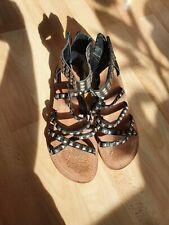 Tamaris Flache Sandalen 38, Riemchen schwarz mit Nieten