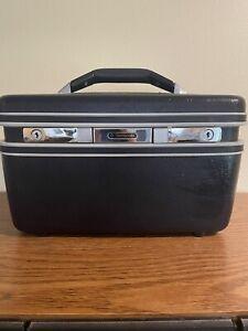 Nice! Vintage Samsonite Silhouette.Cosmetic Train Case Blue Hard Luggage NO KEY