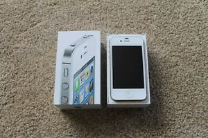 Apple iPhone 4s 16GB MINT CONDITION!