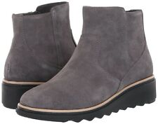 NEW COLLECTIONS BY CLARKS Women's Sharon Swing Ankle Boot Grey Suede SIZE 6 NWOB