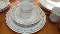 Fine China Dinnerware Tivoli by Sango Service 4 21pc Pink Flowers Blue Shells +