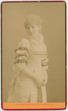 CDV circa 1875. Mily-Meyer, soprano française par Nadar à Paris. Opéra.