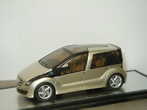 Mercedes F600 2005 - Spark 1:43 in Box *41928