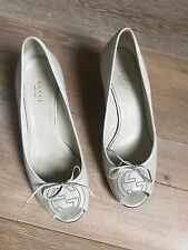 Gucci White Leather Peep Toe Embroidered Wedges Size 38.5 8.5