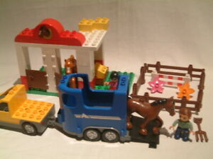 Lego Duplo 5648 Horse Stables 100% complete without box