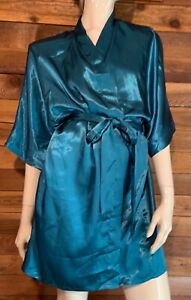 FREDERICK'S of HOLLYWOOD GREEN SIZE LARGE SATIN ROBE   #12812