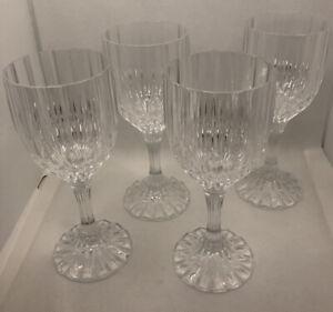 Gorgeous set of 8 cut crystal Cristal D/'Arques gobletswine glasses