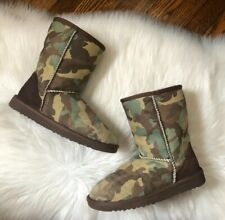 Rare Ugg Australia Classic Short Camo Green Boots  Size 6