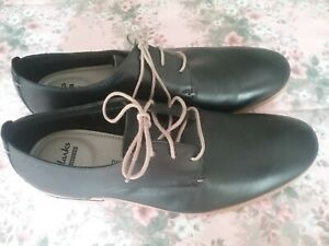Bn clarks ortholite lace up shoes size 8.5