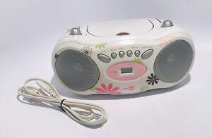 NextPlay White CD BOOM BOX  AM/FM Analog Radio NPF500B  With Power Cord Tested