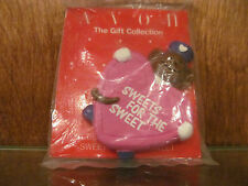 AVON GIFT COLLECTION LOVE DELIVERY VALENTINE SWEETS FOR THE SWEET MAGNET NOS