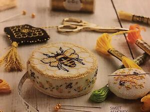 (L) Gold Blackwork Honey Bee Sewing Accessories Scissor Fob Cross Stitch Chart
