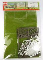 BNIB OO / HO BUSCH 1052 FOOTBALL PITCH WITH GOALS AND STANDS / SCHOOL SPORTS