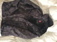 New Quicksilver Mens snowboard Jacket green and black print.